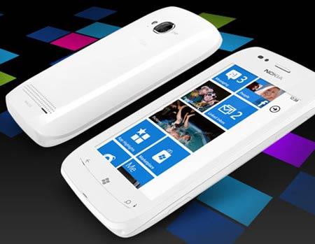 ノキア-lumia-710から02
