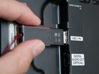 Insert a USB on TV
